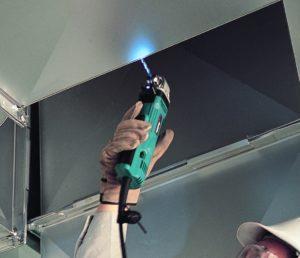 Winkelbohrmaschine mit Leuchte